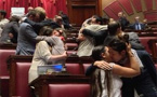 Watch: Italian lawmakers stage kiss-in for gay rights