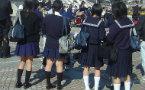 日本学校引入无性别校服